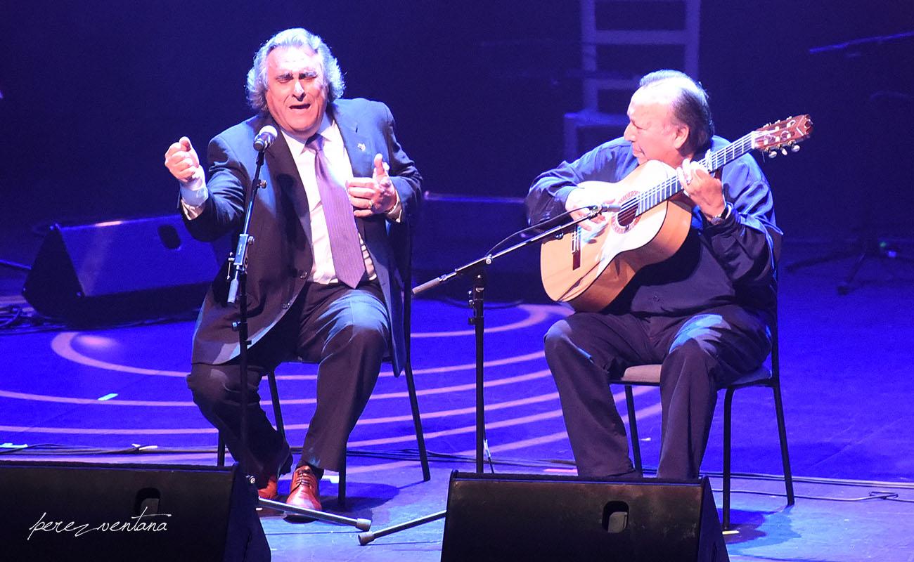 José de la Tomasa y Paco Cepero. Homenaje a El Lebrijano, 'Un gitano universal'. Cartuja Center Cite. Foto: Quico Pérez-Ventana