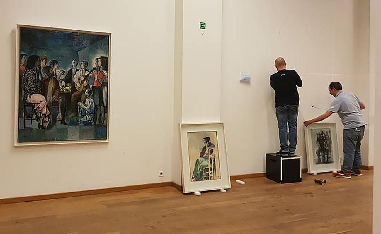 Montaje de la exposición: Foto: Ayuntamiento de La Puebla de Cazalla.