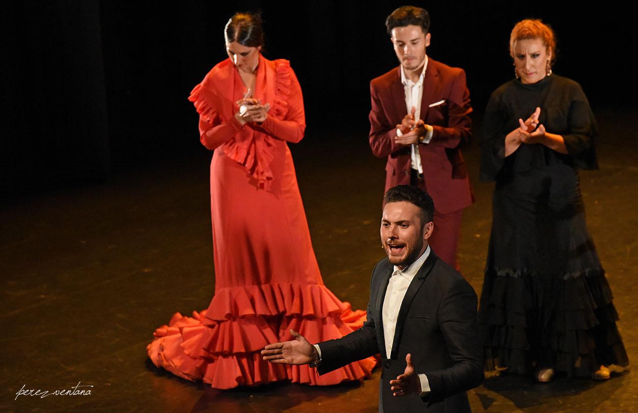 El cantaor Kiko Peña. Gala de Ganadores del concurso Talento Flamenco, Fundación Cristina Heeren. Ciclo Flamenco Viene del Sur. Teatro Central, Sevilla. Foto: Quico Pérez-Ventana
