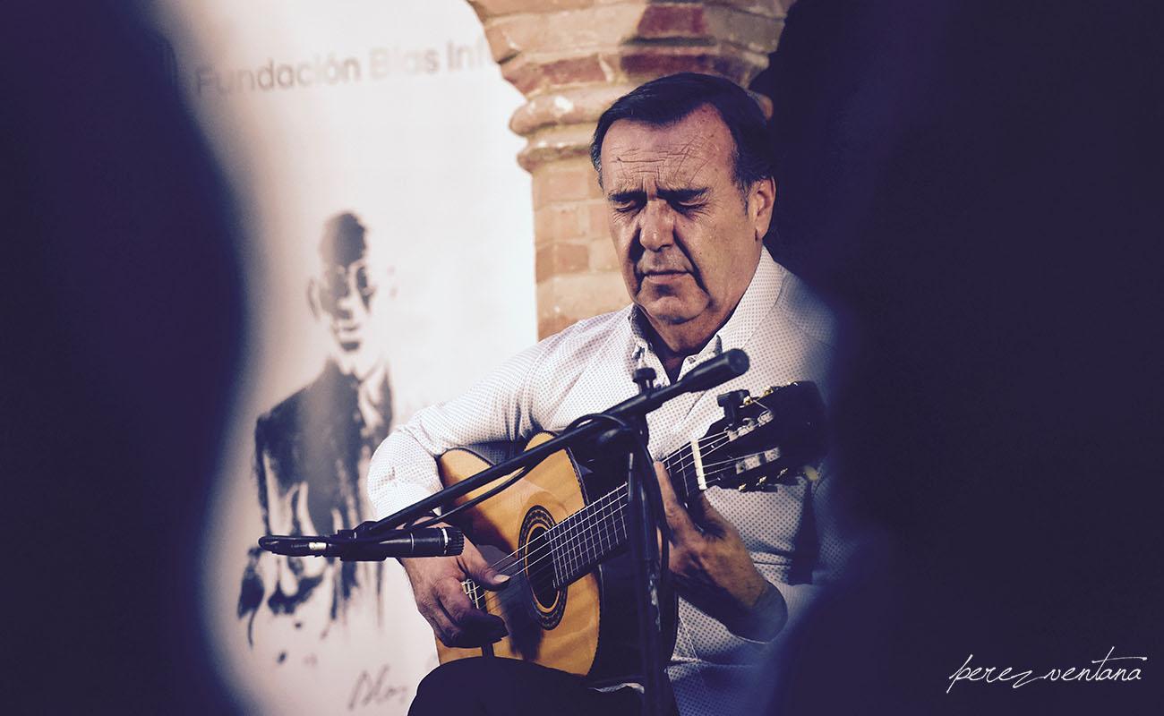 El guitarrista Manolo Franco. Ciclo Conocer el flamenco, Fundación Blas Infante (Sevilla). Foto: Quico Pérez-Ventana