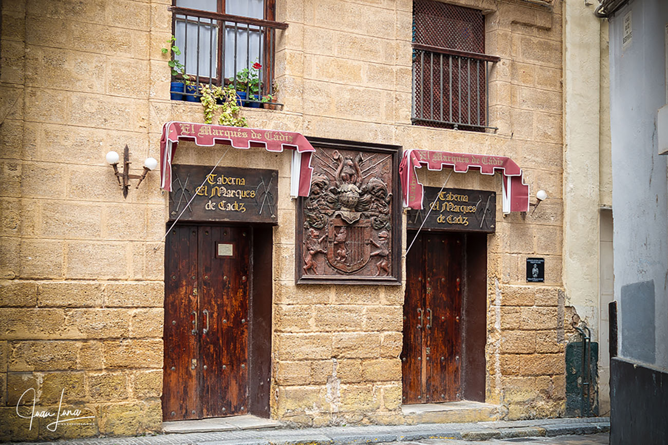 Fachada exterior de la Taberna del Marqués. Foto: Juan Luna