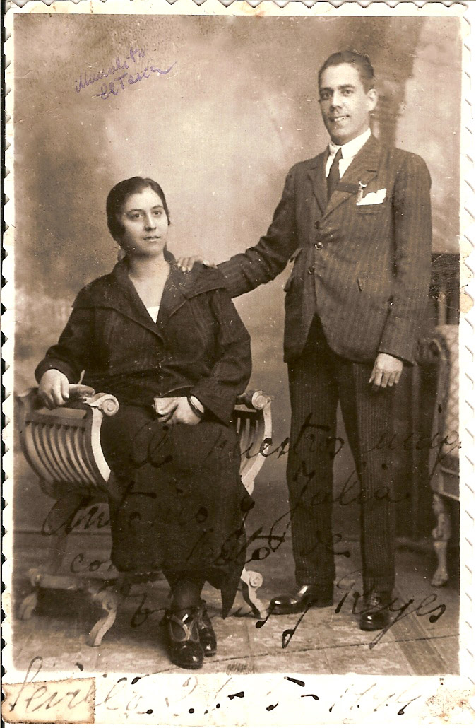 El cantaor Tomás Pavón su esposa, Reyes Bermúdez Camacho.