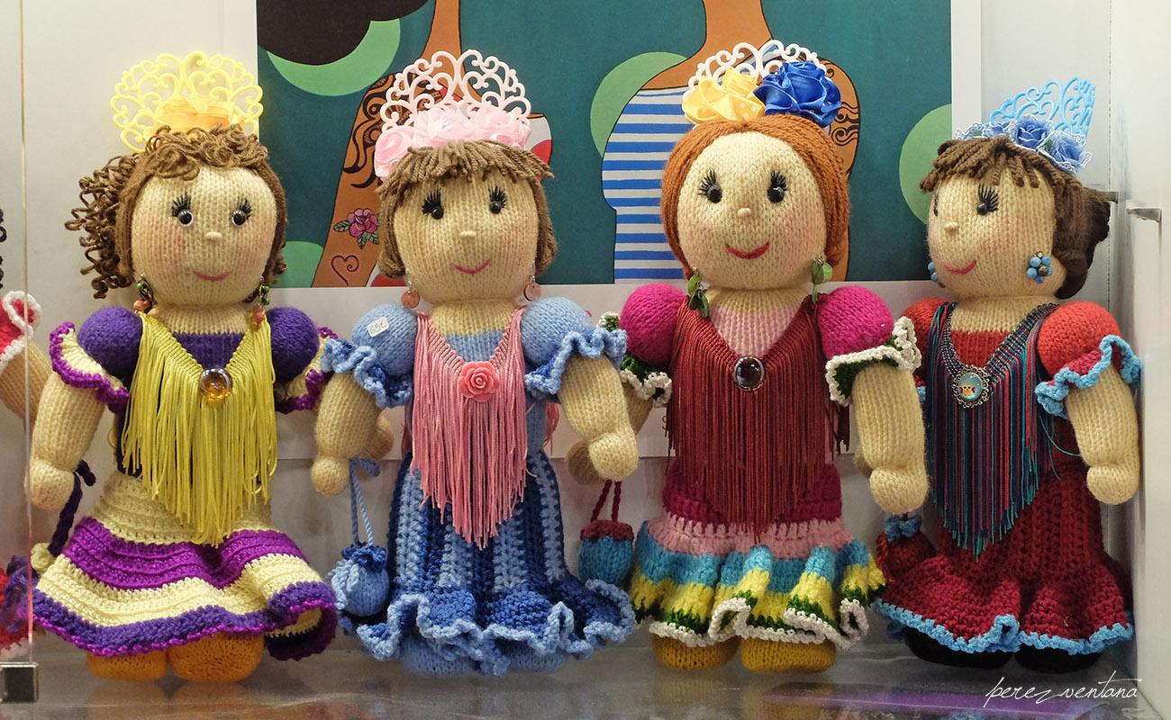 ¿Un recuerdo flamenco de España? Mejor estas muñequitas artesanales que el típico toro o la bailaora de las tiendas de souvenirs, ¿no? Casa de la Memoria, Sevilla. Foto: Quico Pérez-Ventana