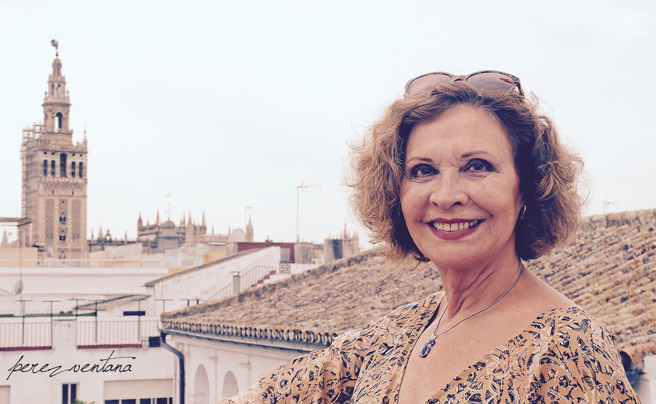 Bailaora Merche Esmeralda, with the skyline of her beloved Seville in the background. Photo: perezventana
