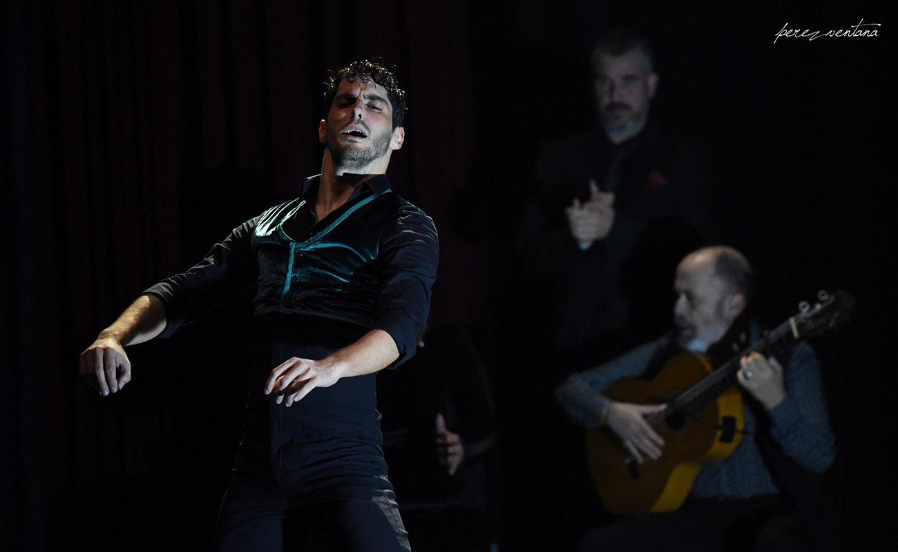El bailaor Alberto Sellés. Espectáculo «Once». Jueves Flamencos de Cajasol. Sala Chicarreros, Sevilla. Foto: perezventana