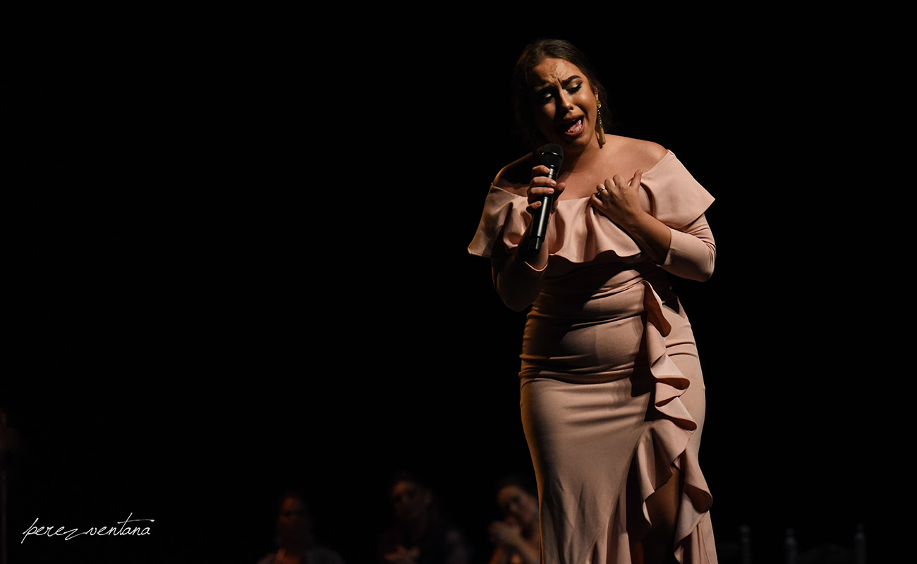 La cantaora María Terremoto. Homenaje a Carmelilla Montoya. Fibes Sevilla, 5 diciembre 2019. Foto: perezventana