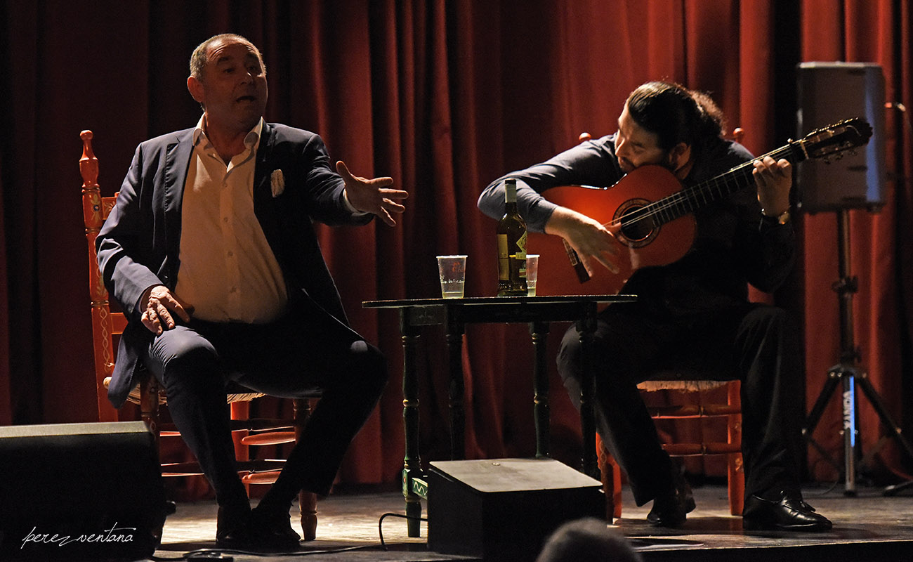 Manuel Cástulo y Joselito de Pura, en la Tertulia Flamenca Calixto Sánchez, Sevilla. Foto: perezventana