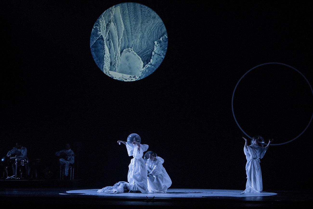 'Un cuerpo infinito', de Olga Pericet. Teatro Villamarta. Festival de Jerez 2020. Foto: Javier Fergo