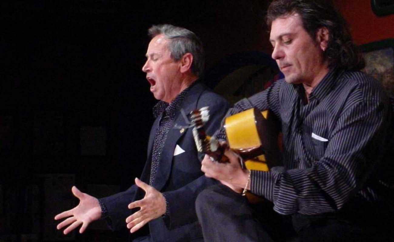 El cantaor Diego Clavel y el guitarrista Antonio Carrión. Foto: Estela Zatania